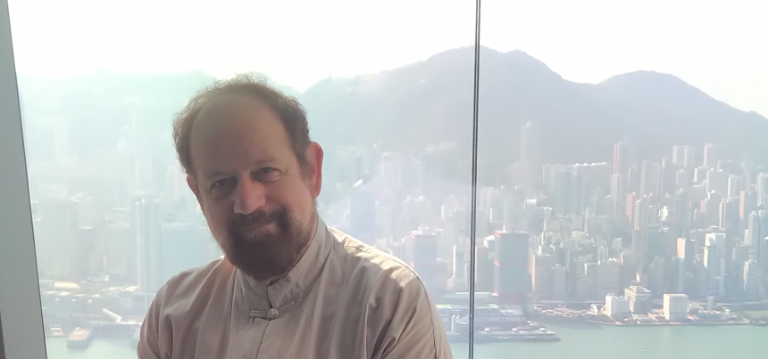 TSplus International President overlooking at Hong-Kong business towers